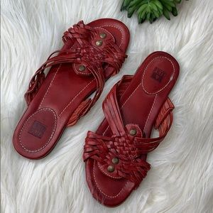Frye Strappy Leather Sandal w/Rivet details
